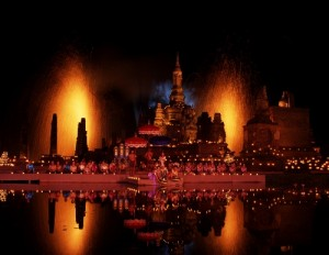 Make the most of your Thanksgiving holiday at Thailand's Loi Krathong Festival