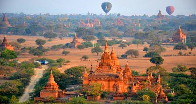 Bagan hot air ballooning