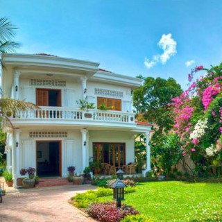 Bed and breakfast tour in Southeast Asia