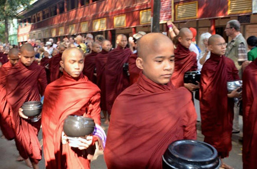 MonksInMyanmar_500x330px