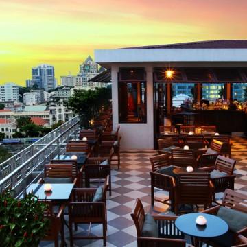 Caravelle Hotel Bar