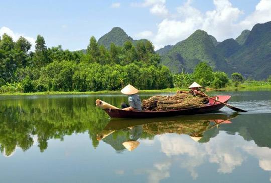 Mekong River paddlers